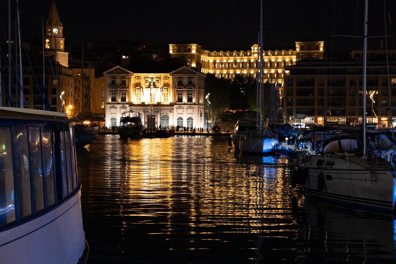 Les villes nocturnes les plus populaires de France